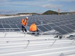 Parques solares de Navarra invertirá más de 6 millones para promover tejados solares en el valle del Ebro