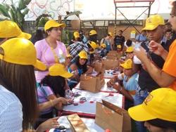 Niños de la Teletón en Iquique construyeron sus propios autos solares