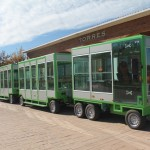 El nuevo tren turístico eléctrico-solar de Torres permite reducir las emisiones de CO2 en un 50%