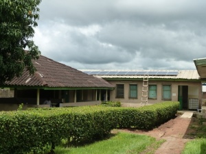 Instalación FV híbrida para mejorar la calidad de vida de los habitantes del barrio de Gonfreville en Bouaké
