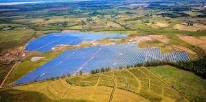 FRV comienza a operar La Jacinta, primera planta solar a gran escala de Uruguay