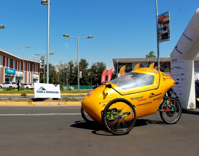 Autos solares demostraron su eficiencia en pista de Movicenter