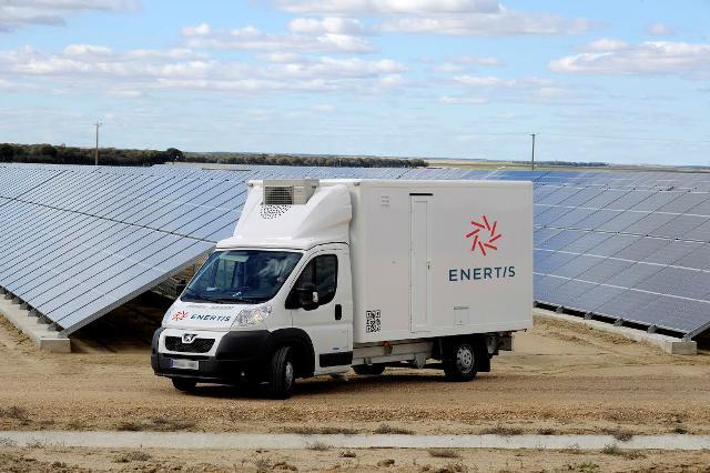 Enertis lanza su nuevo laboratorio móvil para el análisis de plantas fotovoltaicas en Chile