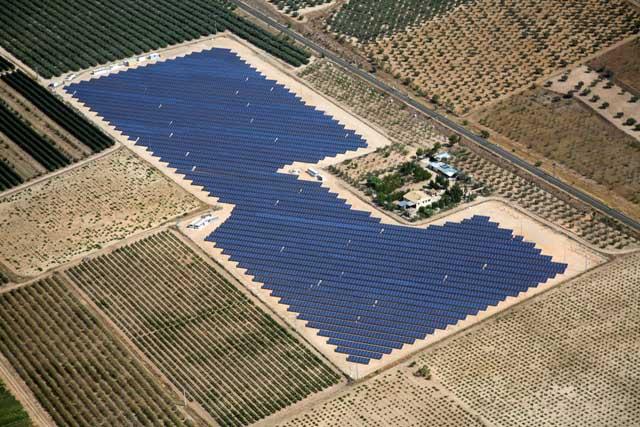 Kobus Partners cierra su primera adquisición en renovables: 8 proyectos fotovoltaicos en operación en España