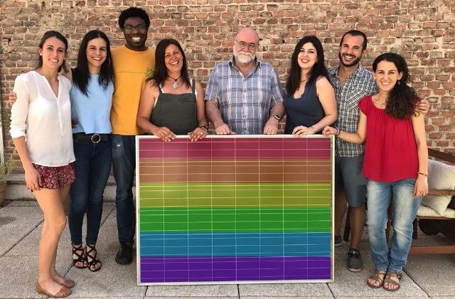 Orgullo Solar reivindica la visibilización del colectivo de mayores LGTBI, alimentado con la energía solar, una energía transformadora que es de y para las personas