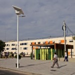 El Ayuntamiento de Alicante instala una novedosa farola solar con tecnología LED