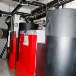 Cada día, más comunidades de vecinos sustituyen su antigua caldera de gasoil, gas o carbón por instalaciones de biomasa