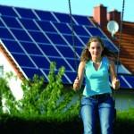 SMA lanza su nuevo microinversor Sunny Boy 240, ideal para pequeñas instalaciones en tejado o terraza